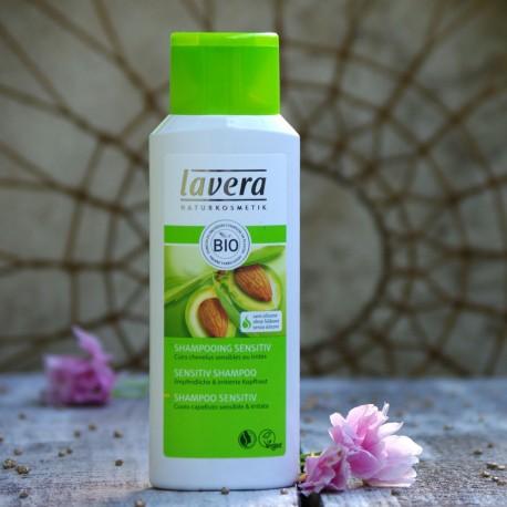 Łagodny szampon do wrażliwej skóry głowy Lavera
